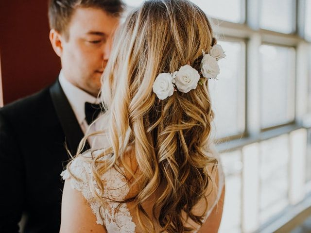 8 Stunning Wedding Hairstyles with Flowers
