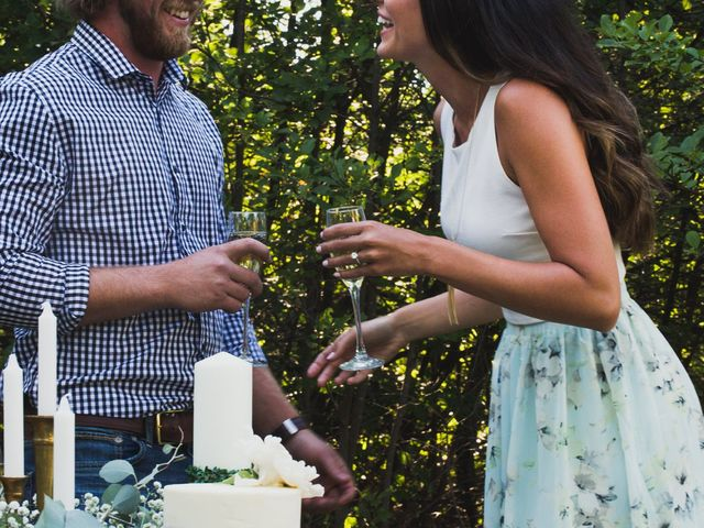 6 Adorable Ways to Show Off Your Engagement Ring on Social Media