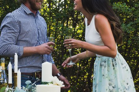 5 Adorable Ways to Show Off Your Engagement Ring on Social Media
