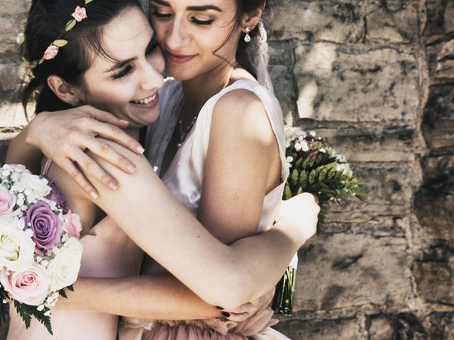 6 Ways to Make Your Sibling(s) Feel Special on Your Wedding Day