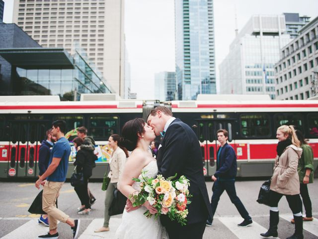 5 Things Every Toronto Wedding Welcome Bag Needs