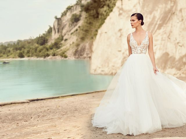 Your Guide to Wedding Dress Necklines