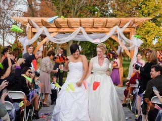 10 Creative Confetti Ideas for Your Wedding Ceremony Exit