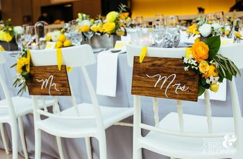 8 Ways to Decorate the Newlyweds' Reception Chairs