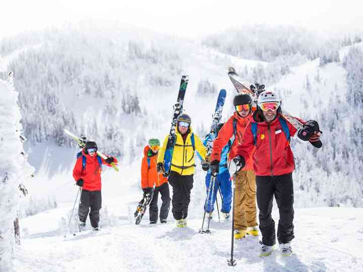 The 5 Best Bachelor Party Destinations in Canada for Skiers and Snowboarders