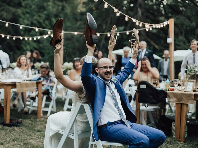 How to Play the Wedding Shoe Game