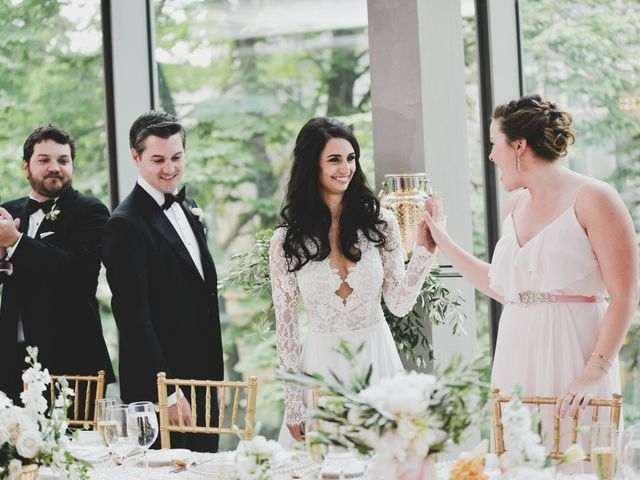 8 Steps to Writing the Perfect Maid of Honor Speech