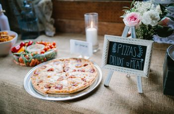 5 Ways to Serve Pizza at Your Wedding