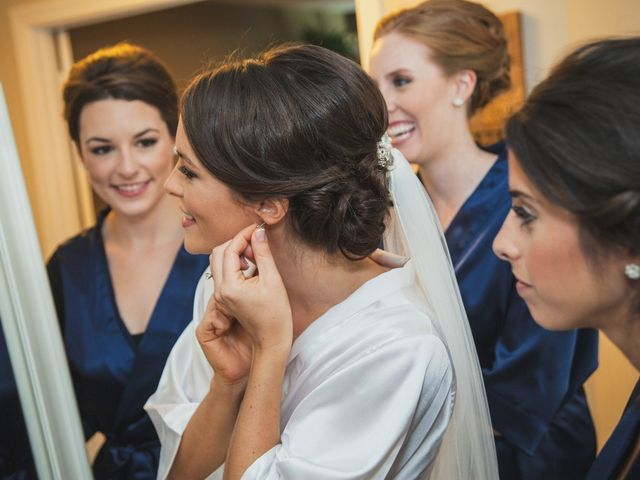 How to Select Your Wedding Hairstyle