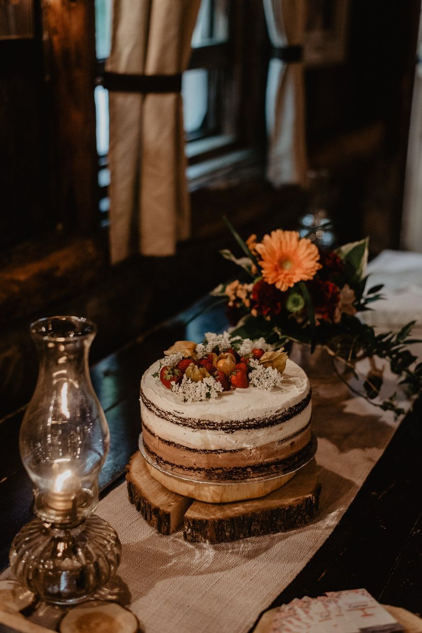 Ultra-rustic wedding cake