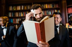 6 Things Grooms MUST Do the Day of Their Wedding
