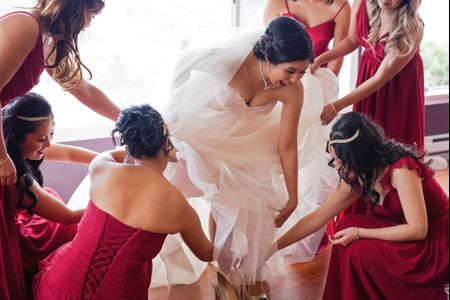 8 Details Not to Share Before Your Wedding Day