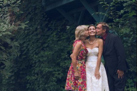 10 Ways to Make Your Parents Feel Special on Your Wedding Day