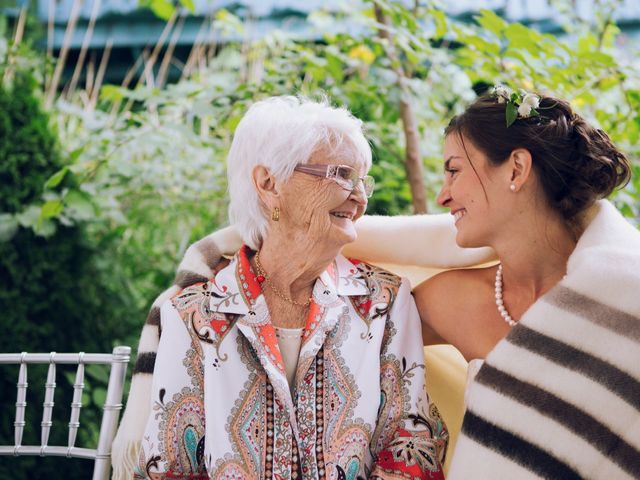 9 Ways to Make Your Grandparents Feel Special on Your Wedding Day