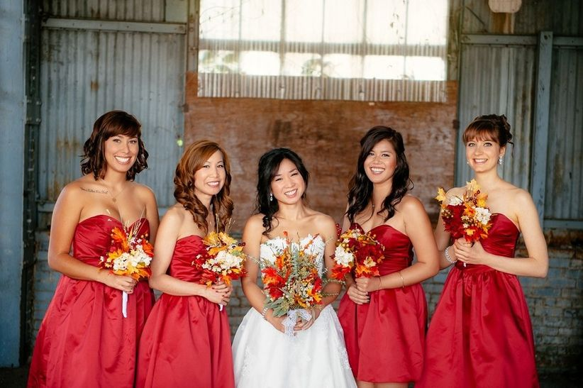 Bridal party with maple leaf bouquets