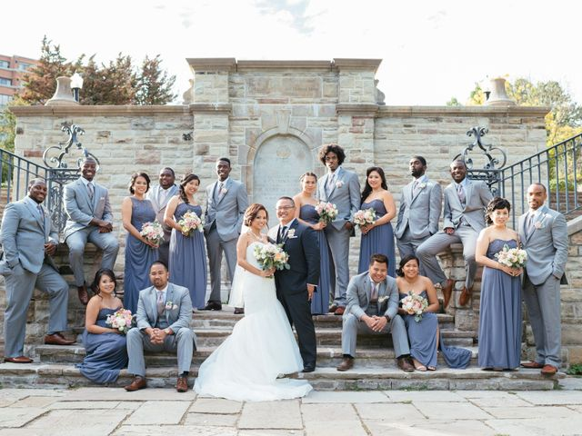 7 Reasons Why Big Wedding Parties are Awesome