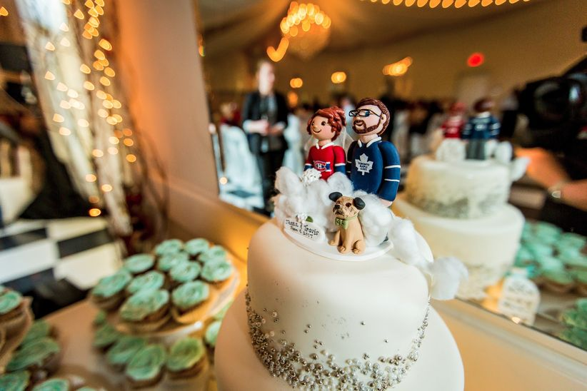 Hockey jersey wedding caketopper