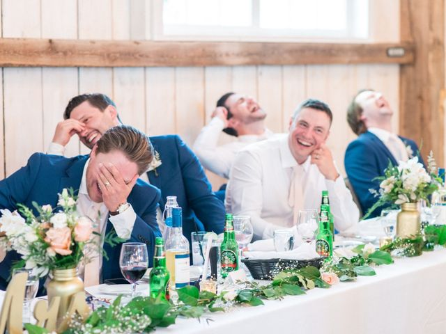 How to Write a LOL-Worthy Wedding Toast