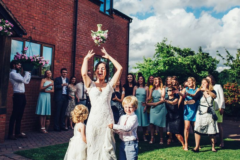 The Top 25 Bouquet Toss Songs