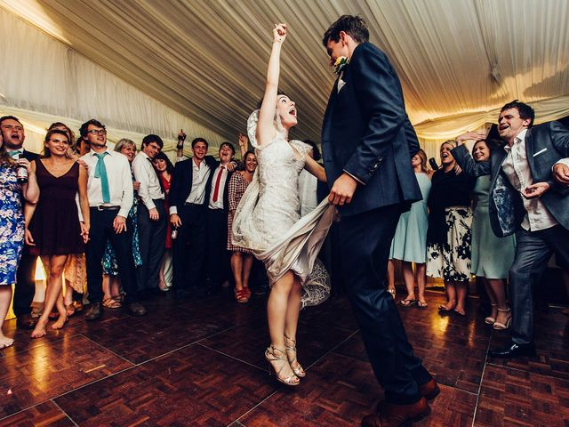 5 Things to Consider When Deciding Between a Band or a DJ for Your Wedding