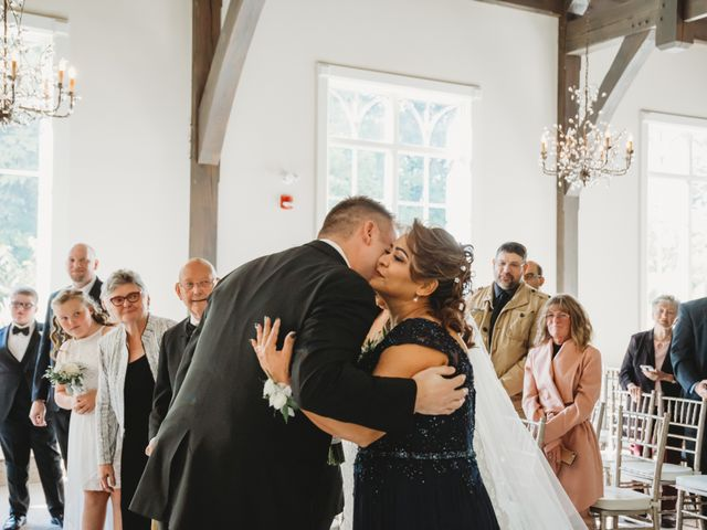 Maria and Stephen's wedding in Ancaster, Ontario 9