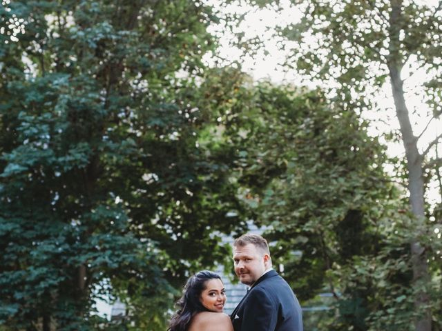 Maria and Stephen's wedding in Ancaster, Ontario 25