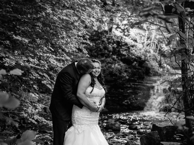 Maria and Stephen's wedding in Ancaster, Ontario 26
