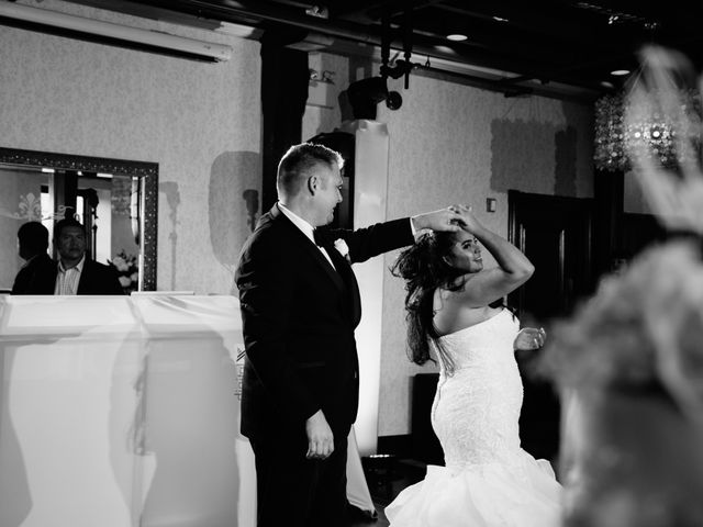 Maria and Stephen's wedding in Ancaster, Ontario 42