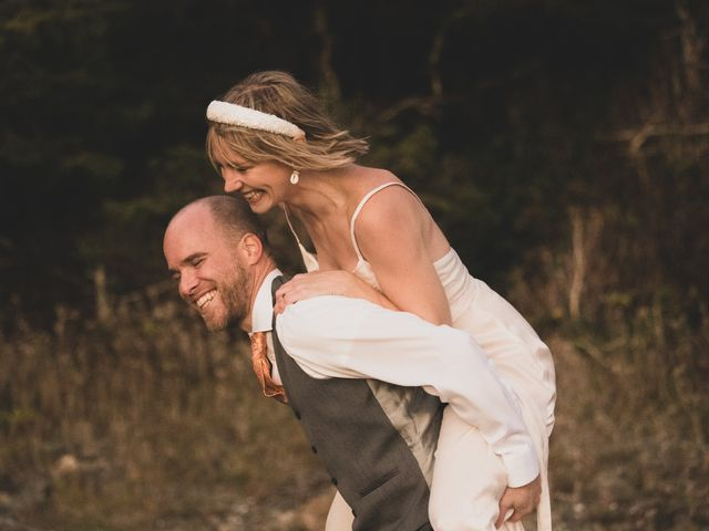 Kris and Emma's wedding in Ucluelet, British Columbia 32