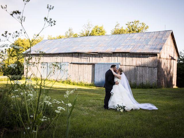 Ryan and Rebecca's wedding in Mirabel, Quebec 16