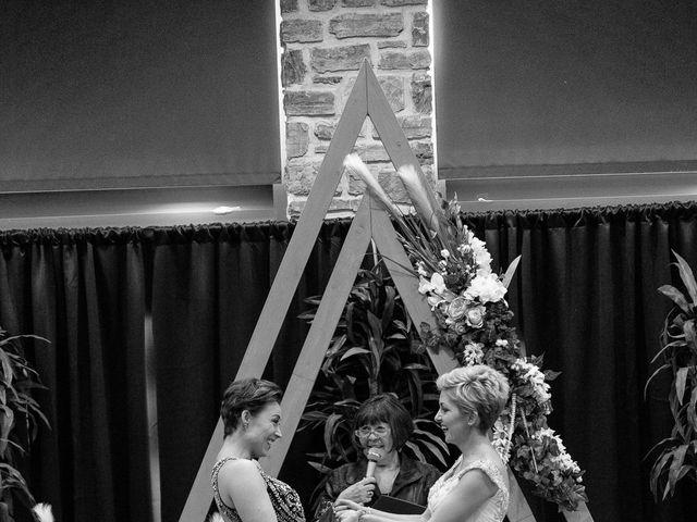 Jess and Lynsey's wedding in Calgary, Alberta 23