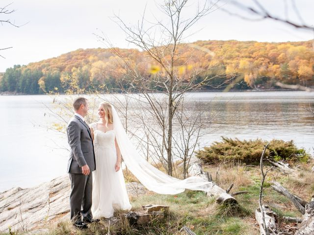 Jeff and Laura's wedding in Algonquin Highlands, Ontario 28