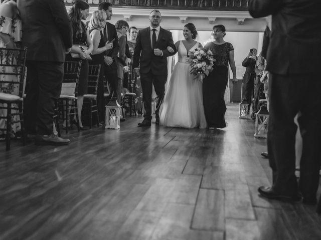 Lindsey and Geoff's wedding in Windsor, Ontario 17