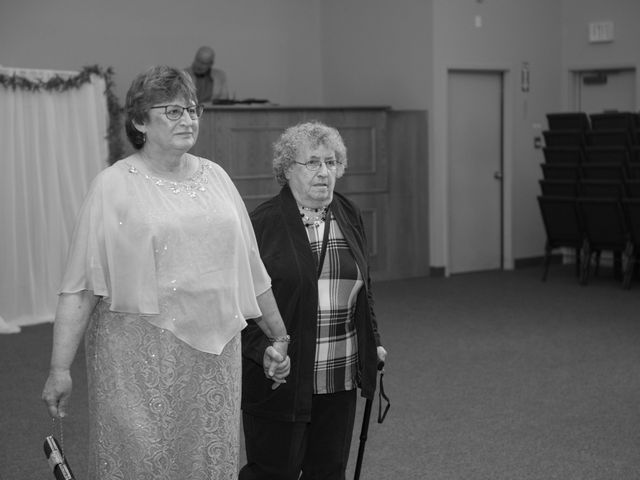 Katelyn and Curtis's wedding in Winnipeg, Manitoba 17