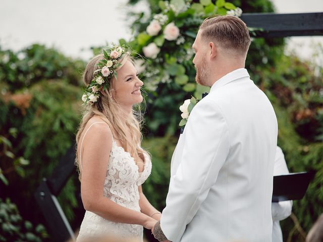 Edwin and Kayla's wedding in Victoria, British Columbia 37
