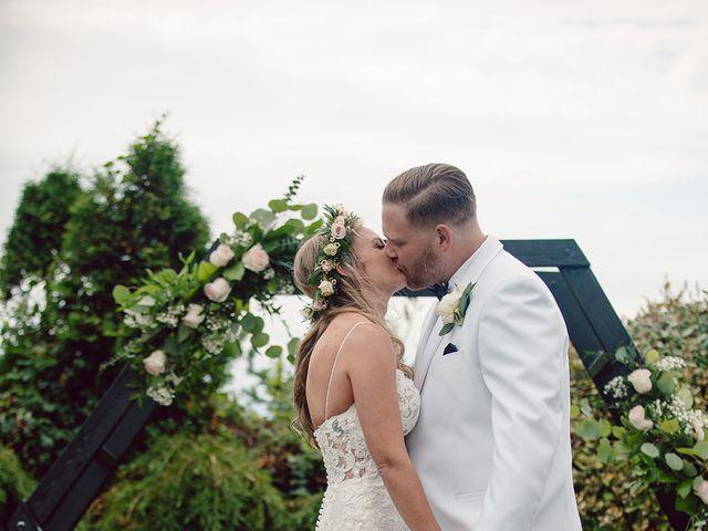 Edwin and Kayla's wedding in Victoria, British Columbia 39
