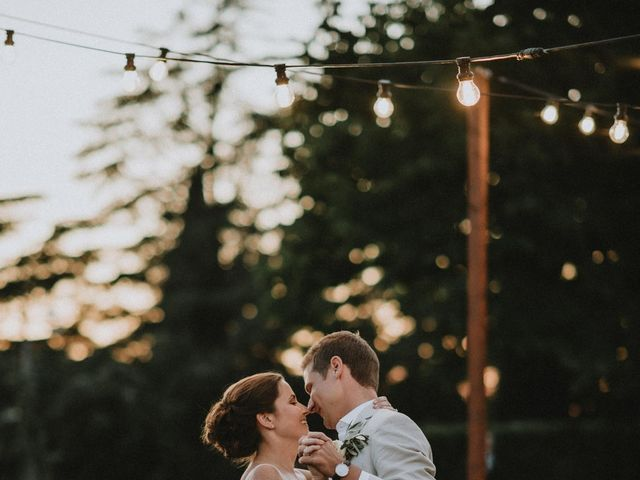 Joe and Lilly's wedding in Victoria, British Columbia 40
