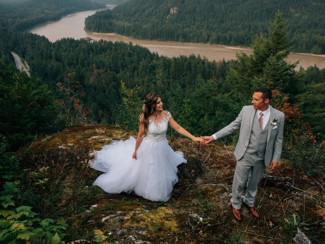 Adam and Katrina's wedding in Hope, British Columbia 15