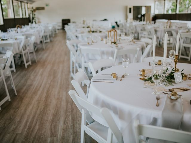 Peter and Jenn's wedding in Winnipeg, Manitoba 20