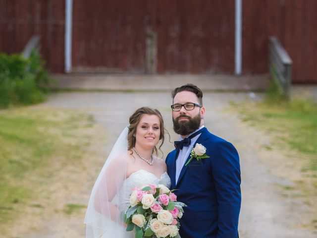 Stacey and Kevin's wedding in Milton, Ontario 16