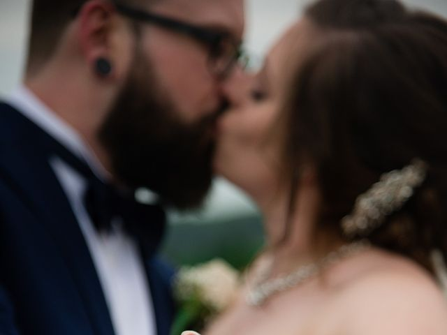 Stacey and Kevin's wedding in Milton, Ontario 28