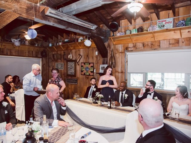 Stacey and Kevin's wedding in Milton, Ontario 29