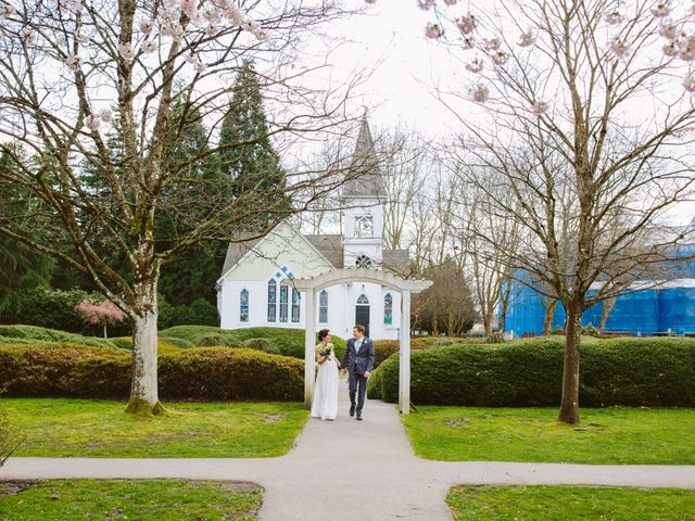 Beth and Michail's wedding in Vancouver, British Columbia 41