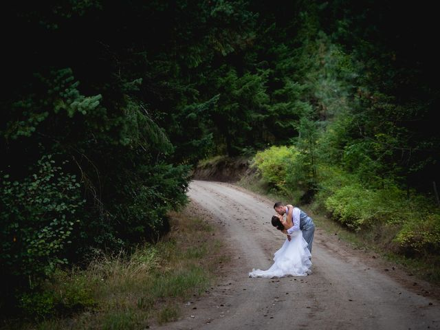 Graham and Chelsey's wedding in Salmon Arm, British Columbia 23