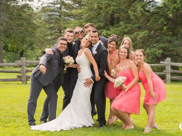 Carl and Vanessa's wedding in Lac-Delage, Quebec 33