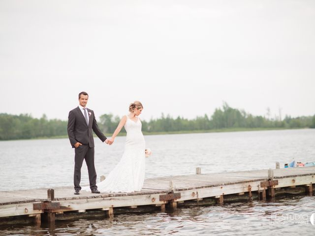 Carl and Vanessa's wedding in Lac-Delage, Quebec 42