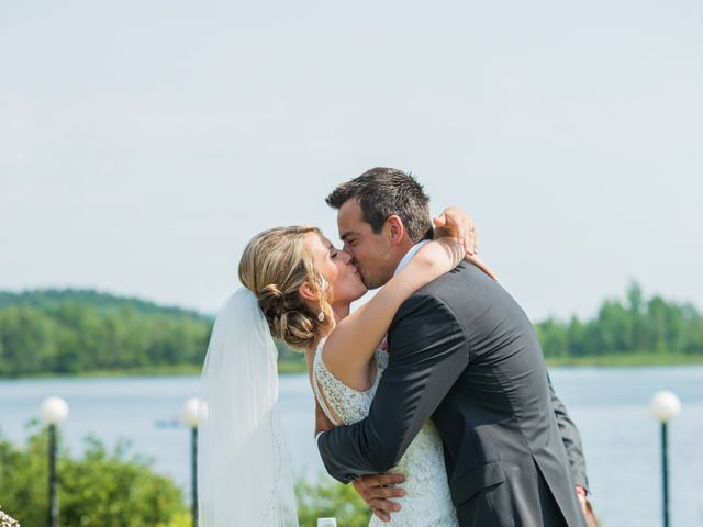 Carl and Vanessa's wedding in Lac-Delage, Quebec 43