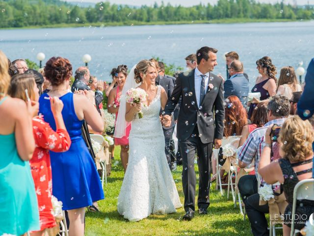 Carl and Vanessa's wedding in Lac-Delage, Quebec 44