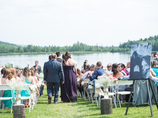 Carl and Vanessa's wedding in Lac-Delage, Quebec 2