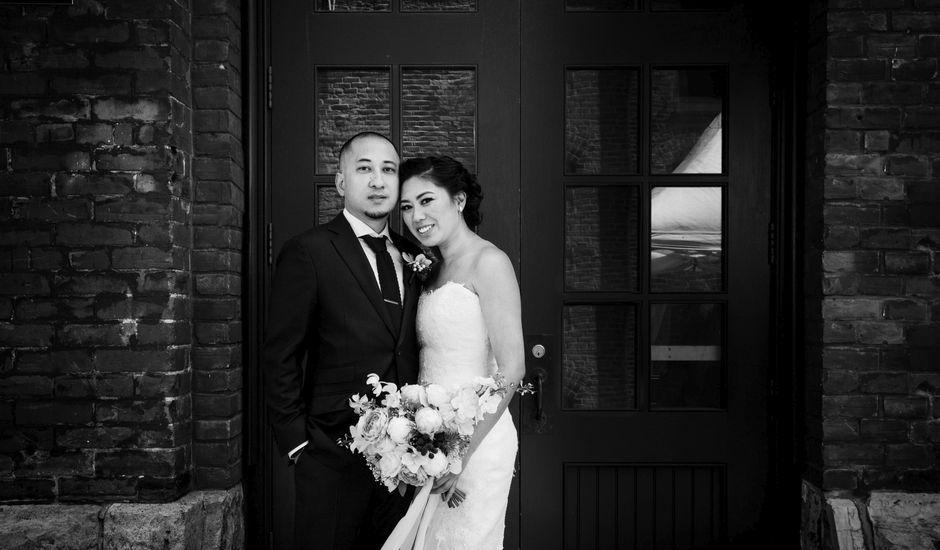 Lisa & Jay's Real Wedding By Archeo